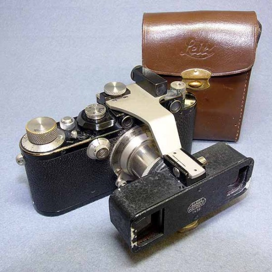 Leitz Stereoly for Leica II/III & Case